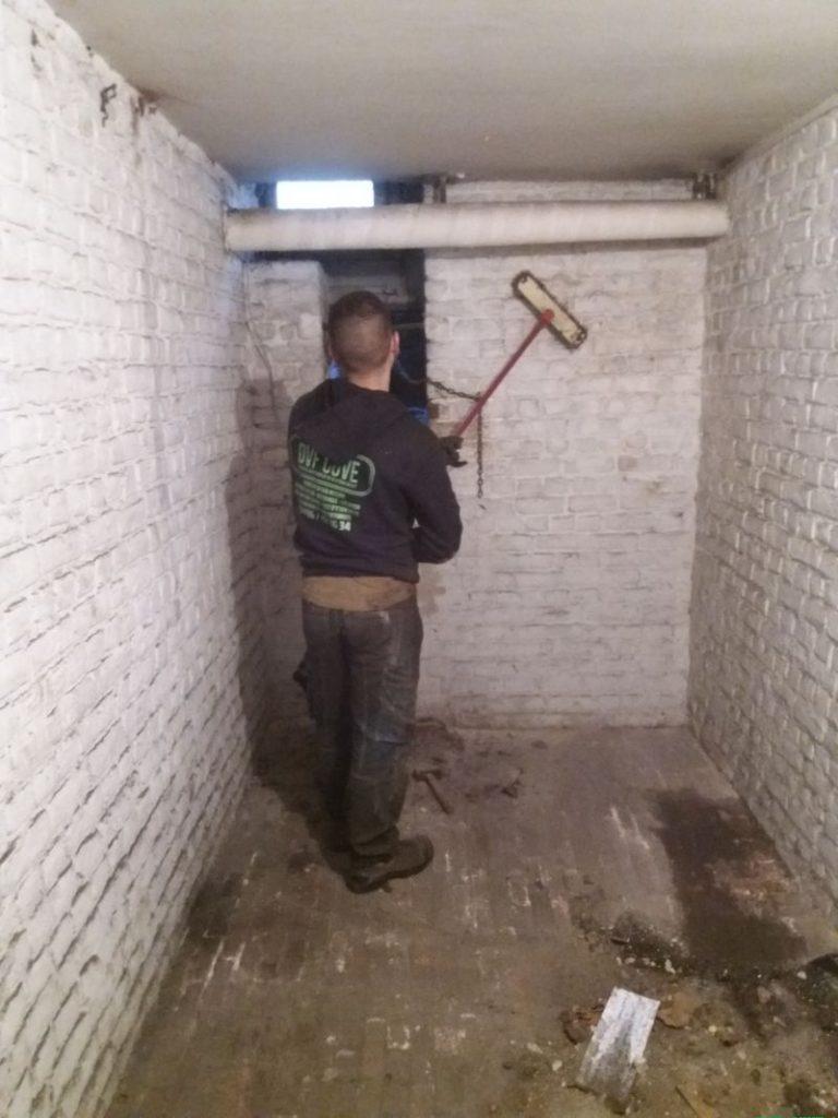 nettoyage complet de la zone où la citerne mazout de 5000 litres a été démontée
