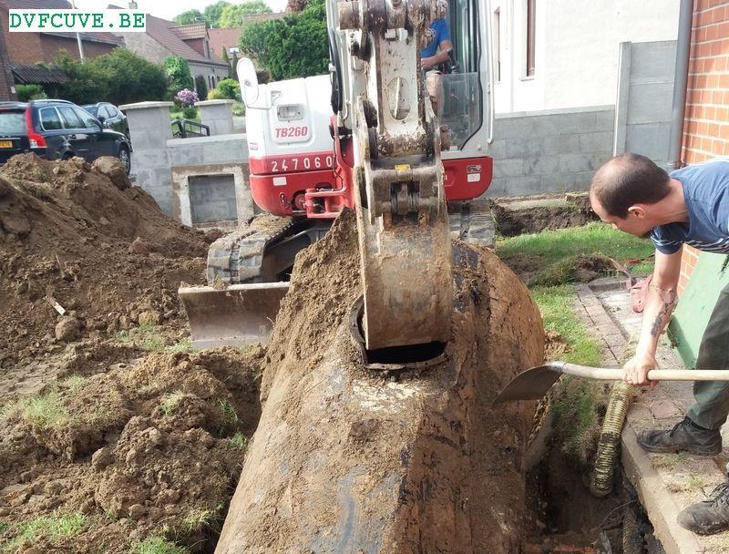 enlevement cuve mazout enterree avec grue