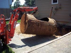 Démontage d'une cuve à mazout enterrée